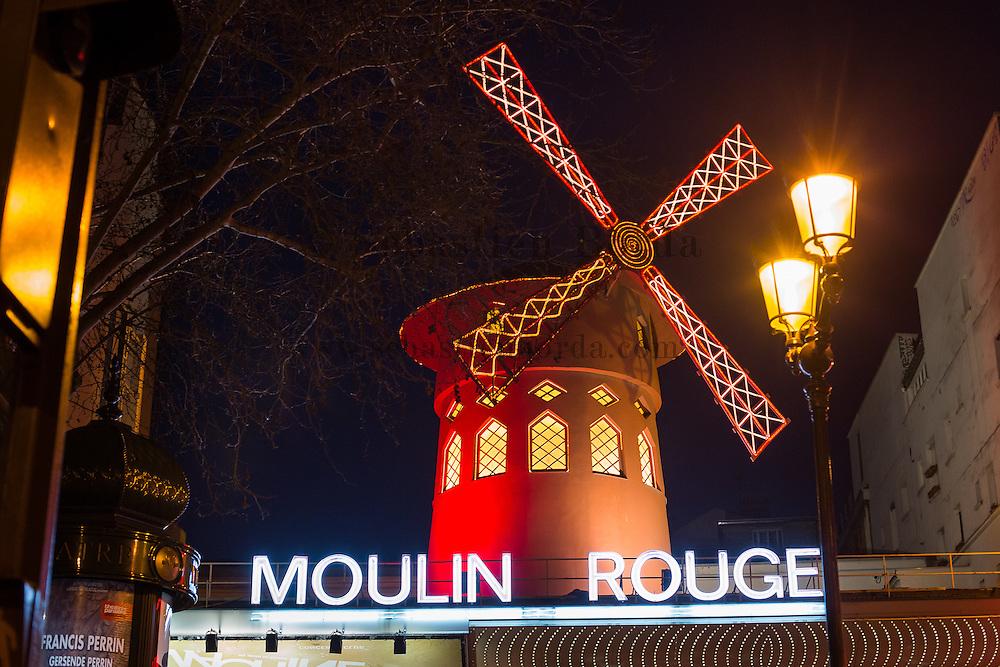 Cabaret Le Moulin Rouge de Pigalle //  Moulin Rouge cabaret of Pigalle area