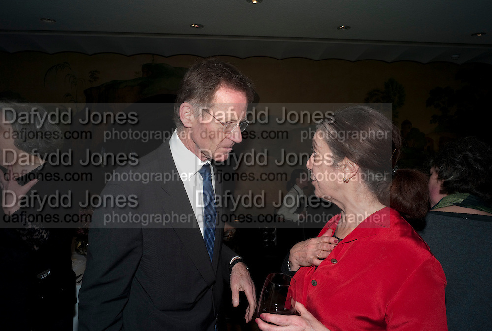 SIR NICHOLAS SEROTA; SUSAN HILLER Susan Hiller opening, Tate Britain. 31 January 2010. -DO NOT ARCHIVE-© Copyright Photograph by Dafydd Jones. 248 Clapham Rd. London SW9 0PZ. Tel 0207 820 0771. www.dafjones.com.