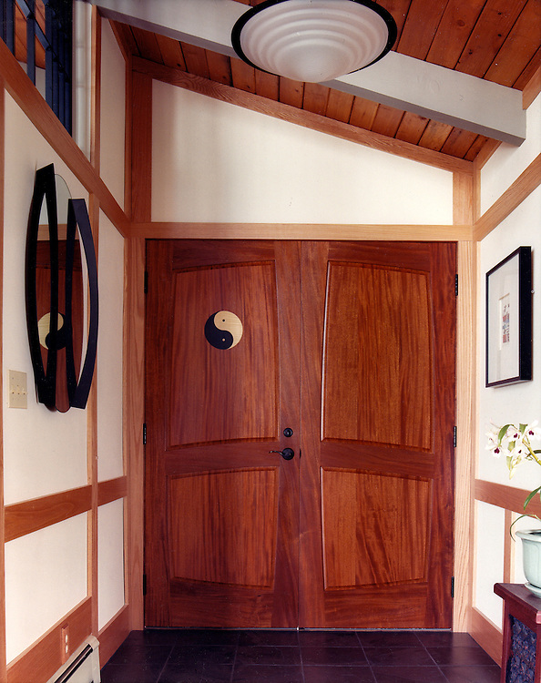 Yin Yang entry door<br />