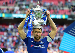 Gary Cahill of Chelsea celebrates with the Fa cup. - Mandatory by-line: Alex James/JMP - 19/05/2018 - FOOTBALL - Wembley Stadium - London, England - Chelsea v Manchester United - Emirates FA Cup Final