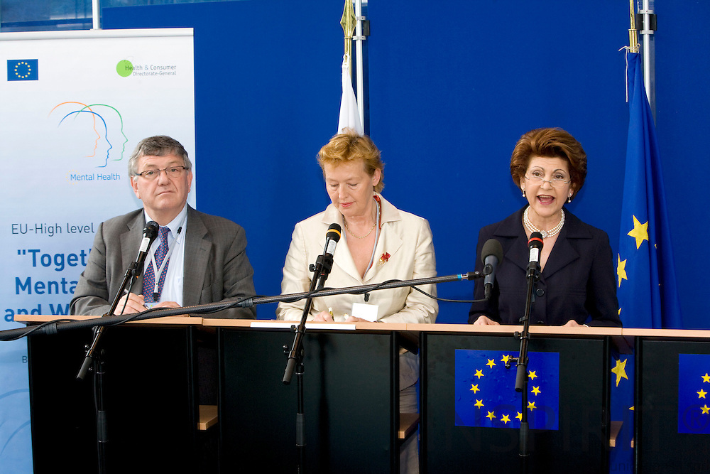BRUSSELS - BELGIUM - 13 JUNE 2008 -- From left Marc DANZON, Director WHO Regional Office for Europe, the Slovenian Minister for Health Zofija MAZEI-KUKOVIC and EU Commissioner Androlla VASSILIOU giving a press conference on Mental Health.  Photo: Erik Luntang