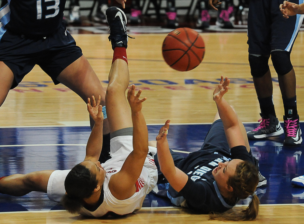 Gonzaga women take on University of San Diego and win the WCC tournament at The Orleans in Las Vegas. Photo by Rajah Bose.