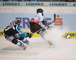 07.02.2016, Keine Sorgen Eisarena, Linz, AUT, EBEL, EHC Liwest Black Wings Linz vs Dornbirner Eishockey Club, Platzierungsrunde,im Bild Bernhard Fechtig (EHC Liwest Black Wings Linz) und Nick Crawford (Dornbirner Eishockey Club) // during the Erste Bank Icehockey League 51th round match - placement round between EHC Liwest Black Wings Linz and Dornbirner Eishockey Club at the Keine Sorgen Icearena, Linz, Austria on 2016/02/07. EXPA Pictures © 2016, PhotoCredit: EXPA/ Reinhard Eisenbauer