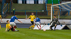 Cowdenbeath's John Armstrong (5) scoring their first goal..half time : Falkirk v Cowdenbeath, 9/2/2013..©Michael Schofield.