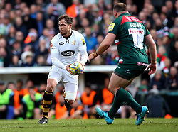 Danny Cipriani of Wasps takes on Greg Bateman of Leicester Tigers - Mandatory by-line: Robbie Stephenson/JMP - 25/03/2018 - RUGBY - Welford Road Stadium - Leicester, England - Leicester Tigers v Wasps - Aviva Premiership