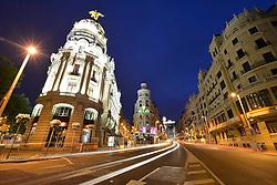 THEMENBILD - Madrid ist seit Jahrhunderten der geographische, politische und kulturelle Mittelpunkt Spaniens (siehe Kastilien) und der Sitz der spanischen Regierung. Hier residieren auch der König, ein katholischer Erzbischof sowie wichtige Verwaltungs- und Militärbehörden. Als Handels- und Finanzzentrum hat die Stadt nationale und internationale Bedeutung. Hier im Bild Wahrzeichen Metropolis-Haus oder Edificio Metropolis an der Prachtstrasse Calle Gran Via, Nachtaufnahme // THEMATIC PACKAGES - Madrid is the capital and largest city of Spain. The population of the city is roughly 3.3 million and the entire population of the Madrid metropolitan area is calculated to be around 6.5 million. It is the third-largest city in the European Union, after London and Berlin, and its metropolitan area is the third-largest in the European Union after London and Paris. The city spans a total of 604.3 km2. EXPA Pictures © 2014, PhotoCredit: EXPA/ Eibner-Pressefoto/ Weber<br /> <br /> *****ATTENTION - OUT of GER*****