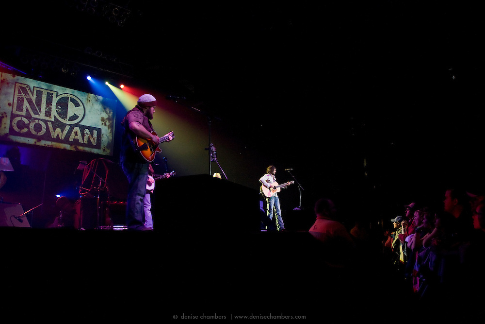 Zac Brown joins Nic Cowan during Nic's opening set for Zac Brown's Breaking Southern Ground Tour at the World Arena in Colorado Springs, CO.  5 March 2010