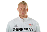 Marcus Groß poses at a photocall during the preparations for the Olympic Games in Rio at the Emmich Cambrai Barracks in Hanover, Germany. July 04, 2016. Photo credit: Frank May/ picture alliance. | usage worldwide