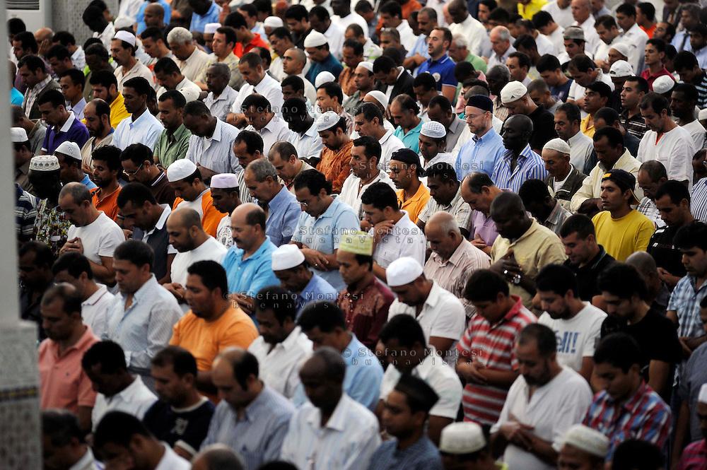 Roma 21 Agosto 2009..Il Primo Venerdi del Ramadan alla Grande  Moschea di Roma.Rome 21 August 2009.The prayer of  friday of  Ramadan the Great Mosque in Rome