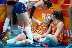 20-10-2018 JPN: Final World Championship Volleyball Women day 18, Yokohama<br /> China - Netherlands 3-0 / Lonneke Sloetjes #10 of Netherlands, Yvon Belien #3 of Netherlands, Myrthe Schoot #9 of Netherlands