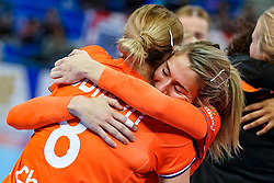 13-12-2019 JAP: Semi Final Netherlands - Russia, Kumamoto<br /> The Netherlands beat Russia in the semifinals 33-22 and qualify for the final on Sunday in Park Dome at 24th IHF Women's Handball World Championship / Lois Abbingh #8 of Netherlands, Estavana Polman #79 of Netherlands