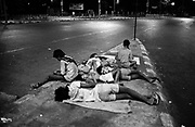 may 1991, india, bombay, streetchildren sleeping, position: sheet n°20 © ISABELLA BALENA www.isabellabalena.com
