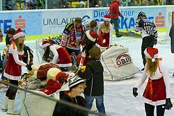20.12.2011, Stadthalle, Klagenfurt, AUT, EBEL, EC KAC vs HC Orli Znojmo, im Bild BEAR TOSS, EXPA Pictures © 2011, PhotoCredit: EXPA/ Gert Steinthaler
