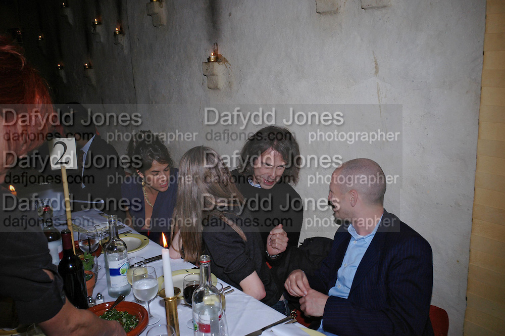 Tracey Emin, Pauline Daly, Ivor Braka and Carl Friedman. Andreas Slominski private view and dinner after wards at Pacha. Gloucester Place. London. 24 April 2005. ONE TIME USE ONLY - DO NOT ARCHIVE  © Copyright Photograph by Dafydd Jones 66 Stockwell Park Rd. London SW9 0DA Tel 020 7733 0108 www.dafjones.com