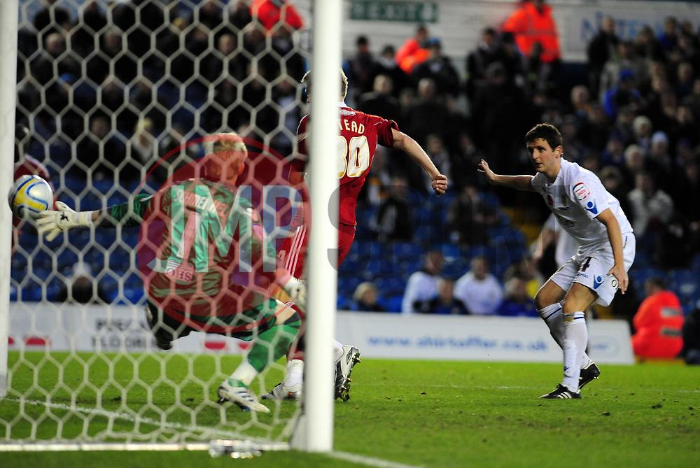 Bristol City's Jon Stead scores past Kasper Schmeichel