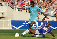 Fotball<br /> Frankrike 2003/04<br /> Toulouse v Olympique Marseille<br /> 15. mai 2004<br /> Foto: Digitalsport<br /> NORWAY ONLY<br /> <br /> PHILIPPE CHRISTANVAL (OM) / ACHILLE EMANA (TOU)