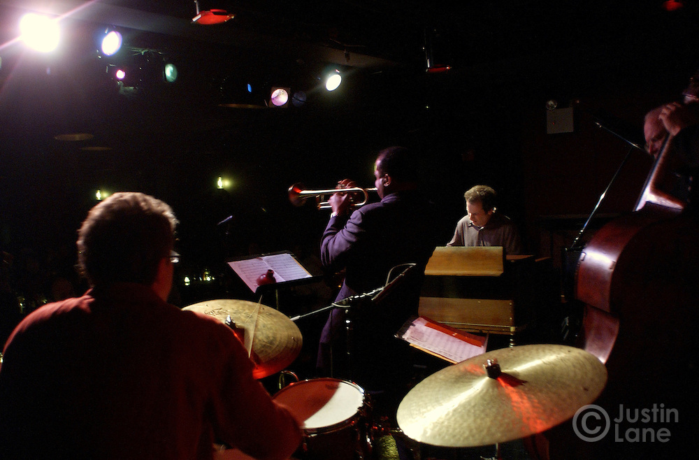Members of Matt Wilson's Arts and Crafts perform at the Jazz Standard in New York City 10 February 2005.<br /> JUSTIN LANE FOR THE DETROIT FREE PRESS