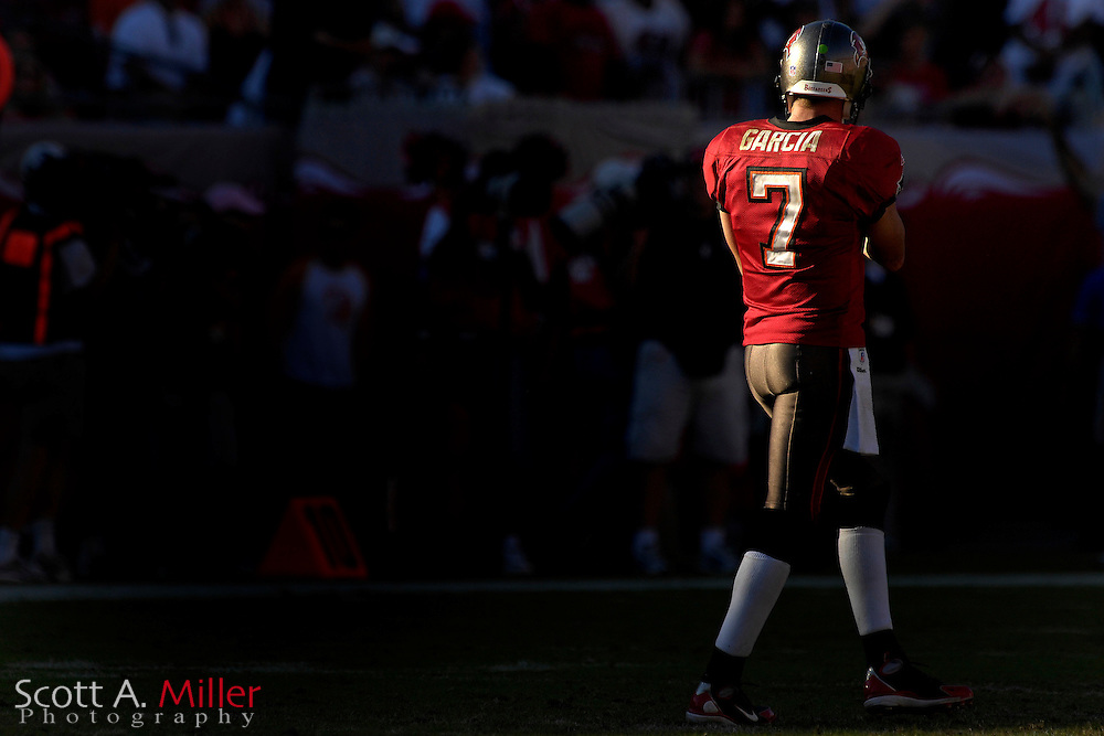 Nov. 4, 2007; Tampa, FL, USA;  Tampa Bay Buccaneers quarterback (7) Jeff Garcia in action during the Bucs 17-10 win over the Arizona Cardinals at Raymond James Stadium. ...©2007 Scott A. Miller