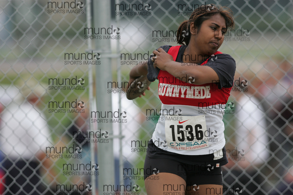 (London, Ontario}---03 June 2010) Saudia Rahamat of Runnymede - Toronto competing in the discus at the 2010 OFSAA Ontario High School Track and Field Championships. Photograph copyright Sean Burges / Mundo Sport Images, 2010.