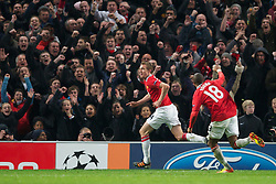 22.11.2011, Old Trafford, Manchester, ENG, UEFA CL, Gruppe C, Manchester United (ENG) vs Benfica Lissabon (POR), im Bild Manchester United's Darren Fletcher celebrates scoring the second goal against SL Benfica during the UEFA Champions League Group C match at Old Trafford, London, United Kingdom on 22/11/2011. EXPA Pictures © 2011, PhotoCredit: EXPA/ Sportida/ David Rawcliff..***** ATTENTION - OUT OF ENG, GBR, UK *****
