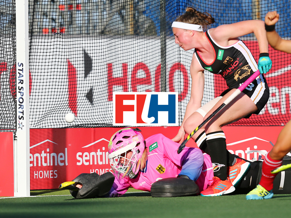 New Zealand, Auckland - 22/11/17  <br /> Sentinel Homes Women&rsquo;s Hockey World League Final<br /> Harbour Hockey Stadium<br /> Copyrigth: Worldsportpics, Rodrigo Jaramillo<br /> Match ID: 10303 - GER vs KOR<br /> Photo: (20) CIUPKA Julia (GK) fail against (19) CHO Hyejin