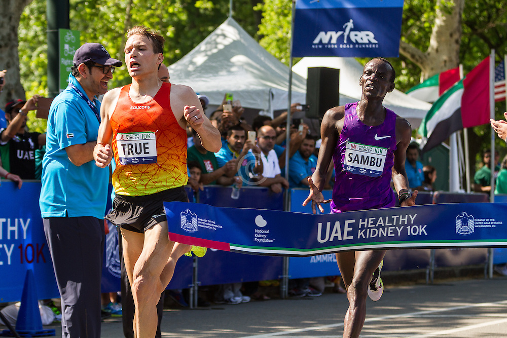 UAE Healthy Kidney 10K, Ben True holds off Stephen Sambu at the finish to win