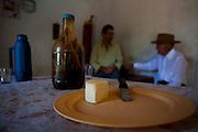 Sao Roque de Minas_MG, Brasil...Queijo com moradores de Sao Roque de Minas ao fundo, eles moram proximo a Serra da Canastra...The cheese with men in the background, They live in Sao Roque de Minas, next to Serra da Canastra...Foto: LEO DRUMOND / NITRO