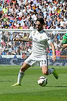 Real Madrid´s Isco during 2014-15 La Liga match between Real Madrid and Eibar at Santiago Bernabeu stadium in Madrid, Spain. April 11, 2015. (ALTERPHOTOS/Luis Fernandez)