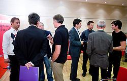 """Jure Doler, Franci Plibersek, Ivo Milovanovic, Andrej Pompe, Marko Rajster, Igor Mervic, Miro Cerar in Peter Kauzer  na okrogli mizi na temo """"Kolajna - kljuc do blagovne znamke?"""" v organizaciji SportForum Slovenija, 24. september 2009, Austria Trend Hotel, Ljubljana, Slovenija. (Photo by Vid Ponikvar / Sportida)"""