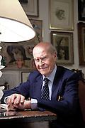 Umberto Veronesi (Milano, 28 novembre 1925) è un medico, oncologo e politico italiano, ricopre il ruolo di direttore scientifico dell'Istituto Europeo di Oncologia[1]...La sua attività clinica e di ricerca è stata incentrata per decenni sulla prevenzione e sulla cura del cancro. In particolare si è occupato del carcinoma mammario, prima causa di morte per tumore nella donna[2]...Veronesi è stato primo teorizzatore e strenuo propositore della quadrantectomia, dimostrando come nella maggioranza dei casi le curve di sopravvivenza di questa tecnica, purché abbinata alla radioterapia, sono le medesime di quelle della mastectomia, ma a impatto estetico e soprattutto psicosessuale migliore...Italian surgeon and oncologist, internationally known for his contributions on prevention and treatment of breast cancer throughout a career spanning over fifty years. He heads Italy's Nuclear Safety Agency.[1]