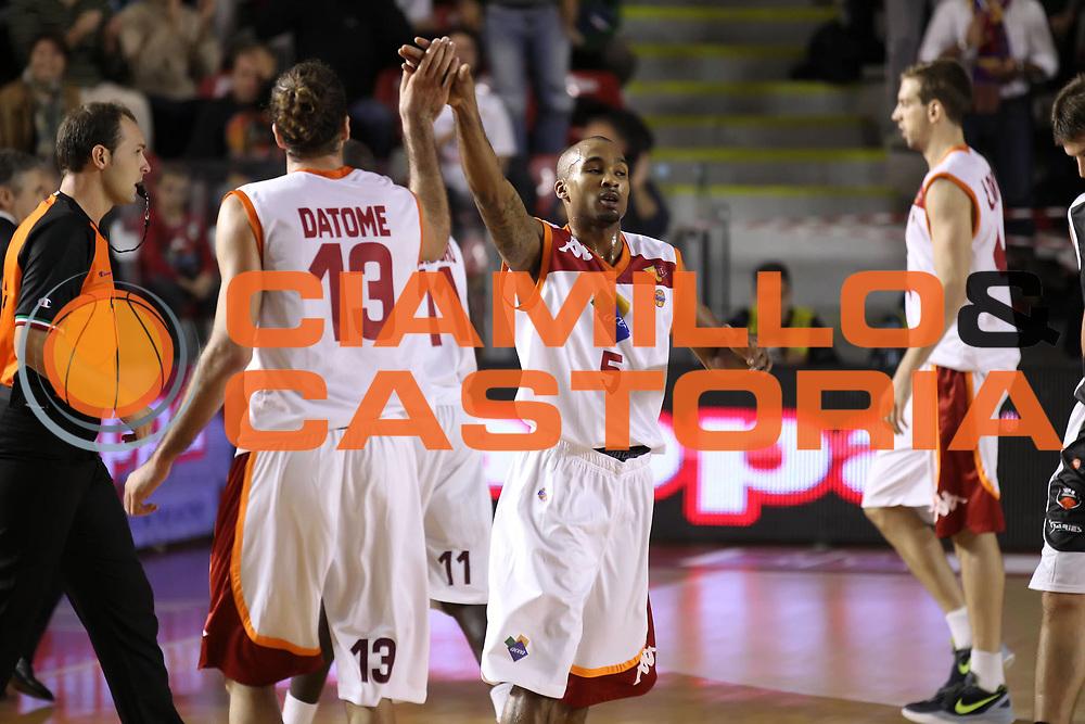 DESCRIZIONE : Roma Lega A 2012-13 Acea Virtus Roma Juve Caserta<br /> GIOCATORE : Luigi Datome Phil Goss<br /> CATEGORIA : esultanza<br /> SQUADRA : Acea Virtus Roma<br /> EVENTO : Campionato Lega A 2012-2013 <br /> GARA : Acea Virtus Roma Juve Caserta<br /> DATA : 28/10/2012<br /> SPORT : Pallacanestro <br /> AUTORE : Agenzia Ciamillo-Castoria/ElioCastoria<br /> Galleria : Lega Basket A 2012-2013  <br /> Fotonotizia : Roma Lega A 2012-13 Acea Virtus Roma Juve Caserta<br /> Predefinita :