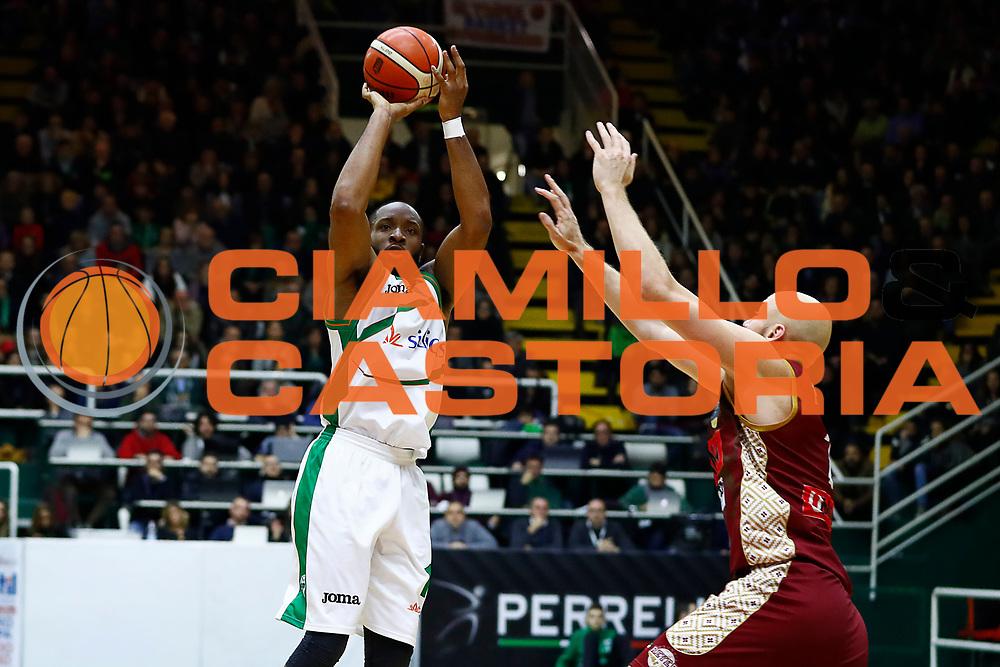 Dez Wells<br /> Sidigas Scandone Avellino - Umana Reyer Venezia<br /> Lega Basket Serie A 2017/2018<br /> Avellino, 02/12/2017<br /> Foto Alfredo De Lise / Ciamillo - Castoria