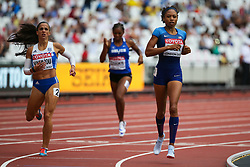 London, 2017 August 06. Allyson Felix, USA and Iríni Vasilíou, Greece, in Heat one of the Women's 400m on day three of the IAAF London 2017 world Championships at the London Stadium. © Paul Davey.