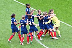09.07.2011, FIFA Frauen-WM-Stadion Leverkusen, Leverkusen, GER, FIFA Women Worldcup 2011, Viertelfinale, England (ENG) vs. Frankreicht (FRA), im Bild:  Jubel Frankreich.. // during the FIFA Women´s Worldcup 2011, Quaterfinal, England vs France on 2011/07/09, FIFA Frauen-WM-Stadion Leverkusen, Leverkusen, Germany.   EXPA Pictures © 2011, PhotoCredit: EXPA/ nph/  Mueller *** Local Caption ***       ****** out of GER / CRO  / BEL ******