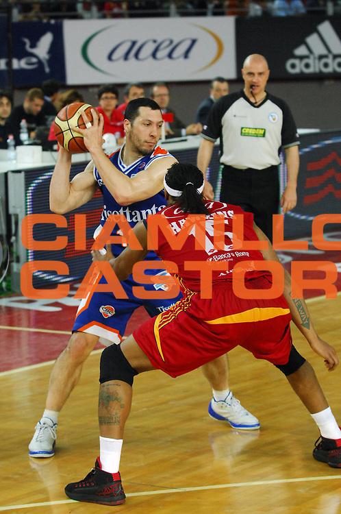 DESCRIZIONE : Roma Lega A1 2007-08 Playoff Quarti di Finale Gara 3 Lottomatica Virtus Roma Tisettanta Cantu<br /> GIOCATORE : Nicolas Mazzarino<br /> SQUADRA : Tisettanta Cantu<br /> EVENTO : Campionato Lega A1 2007-2008 <br /> GARA : Lottomatica Virtus Roma Tisettanta Cantu <br /> DATA : 15/05/2008 <br /> CATEGORIA : Passaggio<br /> SPORT : Pallacanestro <br /> AUTORE : Agenzia Ciamillo-Castoria/E. Grillotti