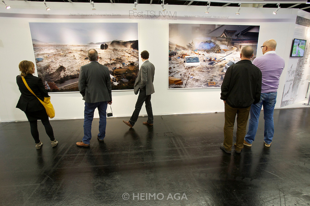 "Photokina in Cologne ist the World's biggest bi-annual photo fair..Japan Professional Photographers Society (JPS): ""We survive!"" - life after the tsunami."