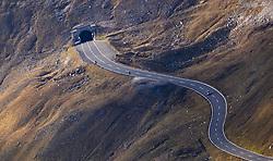 THEMENBILD - ein Auto fährt auf der Strasse nach dem Mittertörl. Die Grossglockner Hochalpenstrasse verbindet die beiden Bundeslaender Salzburg und Kaernten mit einer Laenge von 48 Kilometer und ist als Erlebnisstrasse vorrangig von touristischer Bedeutung, aufgenommen am 15. September 2016, Bruck a. d. Glocknerstrasse, Oesterreich // a car driving on the road after the Mittertörl. The Grossglockner High Alpine Road connects the two provinces of Salzburg and Carinthia with a length of 48 km and is as an adventure road priority of tourist interest at Bruck a. d. Glocknerstrasse, Austria on 2016/09/15. EXPA Pictures © 2016, PhotoCredit: EXPA/ JFK