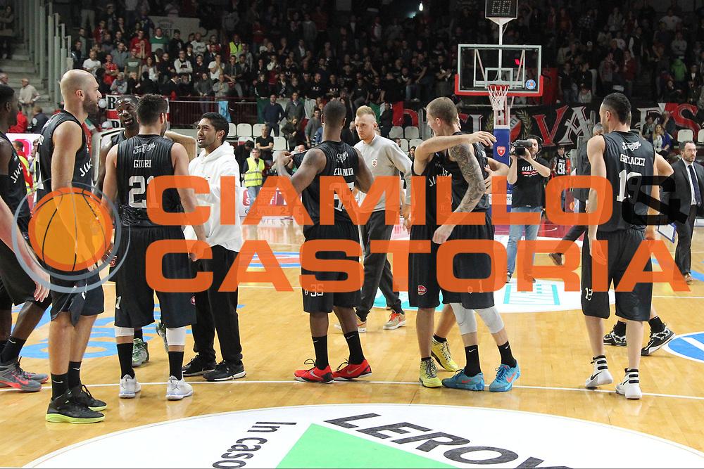 DESCRIZIONE: Varese Lega A 2015/16 <br /> Openjobmetis Varese vs Pasta Reggia Caserta<br /> GIOCATORE: Pasta Reggia Juve Caserta<br /> CATEGORIA: esultanza postgame<br /> SQUADRA: <br /> EVENTO: Campionato Lega A 2015-2016<br /> GARA: Openjobmetis Varese Pasta Reggia Caserta<br /> DATA: 04/10/2015<br /> SPORT: Pallacanestro<br /> AUTORE: Agenzia Ciamillo-Castoria/A. Ossola<br /> Galleria: Lega Basket A 2015-2016<br /> Fotonotizia: Varese Lega A 2015-16 <br /> Openjobmetis Varese Pasta Reggia Caserta