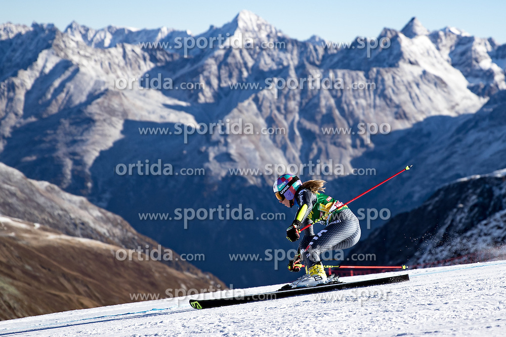 22.10.2016, Rettenbachferner, Soelden, AUT, FIS Weltcup Ski Alpin, Soelden, Riesenslalom, Damen, 1. Durchgang, im Bild Marta Bassino (ITA) // Marta Bassino of Italy in action during 1st run of ladies Giant Slalom of the FIS Ski Alpine Worldcup opening at the Rettenbachferner in Soelden, Austria on 2016/10/22. EXPA Pictures © 2016, PhotoCredit: EXPA/ Johann Groder