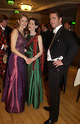 Virginia Simpson, Mimi Stansfeld and Charles Groves, The Royal Caledonian Ball 2004. Grosvenor House, 21 May 2004. ONE TIME USE ONLY - DO NOT ARCHIVE  © Copyright Photograph by Dafydd Jones 66 Stockwell Park Rd. London SW9 0DA Tel 020 7733 0108 www.dafjones.com