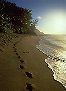 Hideaway Beach, Sunset, Hanalei Bay, Kauai, Hawaii, USA<br />