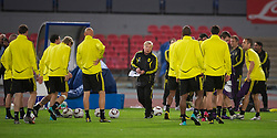 NAPELS, ITALY - Wednesday, October 20, 2010: Liverpool's assistant manager Sammy Lee takes a training session ahead of the UEFA Europa League Group K match against SSC Napoli at the Stadio San Paolo. (Pic by: David Rawcliffe/Propaganda)