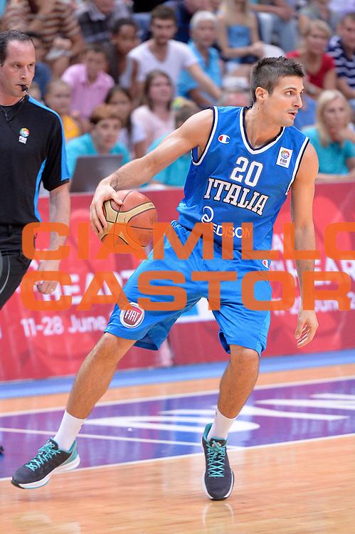 DESCRIZIONE : Mosca Moscow Qualificazione Eurobasket 2015 Qualifying Round Eurobasket 2015 Russia Italia Russia Italy<br /> GIOCATORE : Andrea Cinciarini<br /> CATEGORIA : Palleggio<br /> EVENTO : Mosca Moscow Qualificazione Eurobasket 2015 Qualifying Round Eurobasket 2015 Russia Italia Russia Italy<br /> GARA : Russia Italia Russia Italy<br /> DATA : 13/08/2014<br /> SPORT : Pallacanestro<br /> AUTORE : Agenzia Ciamillo-Castoria/GiulioCiamillo<br /> Galleria: Fip Nazionali 2014<br /> Fotonotizia: Mosca Moscow Qualificazione Eurobasket 2015 Qualifying Round Eurobasket 2015 Russia Italia Russia Italy<br /> Predefinita :