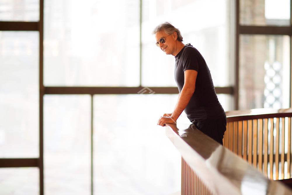 Andrea Bocelli at the Metropolitian Opera House in New York. ..Photo by Robert Caplin.©Robert Caplin.