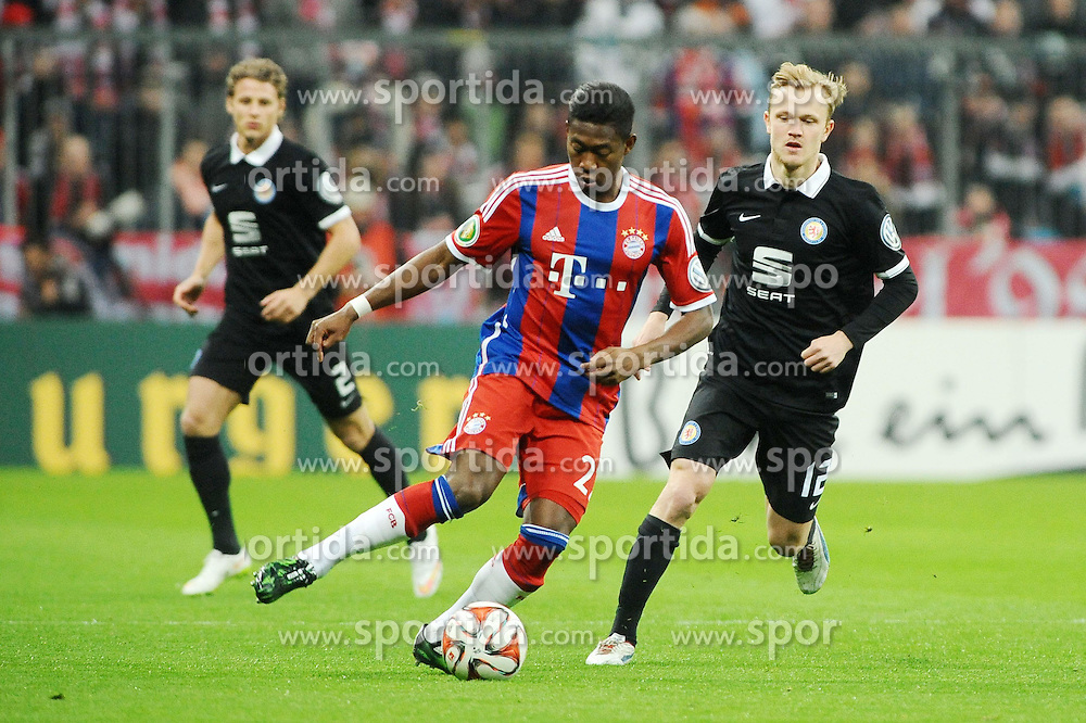 04.03.2015, Allianz Arena, M&uuml;nchen, GER, DFB Pokal, FC Bayern Muenchen vs Eintracht Braunschweig, Achtelfinale, im Bild vl. David Alaba (FC Bayern Muenchen) und Nik Omladic (Eintracht Braunschweig) // during German DFB Pokal last sixteen match between FC Bayern Muenchen and Eintracht Braunschweig at the Allianz Arena in M&uuml;nchen, Germany on 2015/03/04. EXPA Pictures &copy; 2015, PhotoCredit: EXPA/ Eibner-Pressefoto/ Stuetzle<br /> <br /> *****ATTENTION - OUT of GER*****