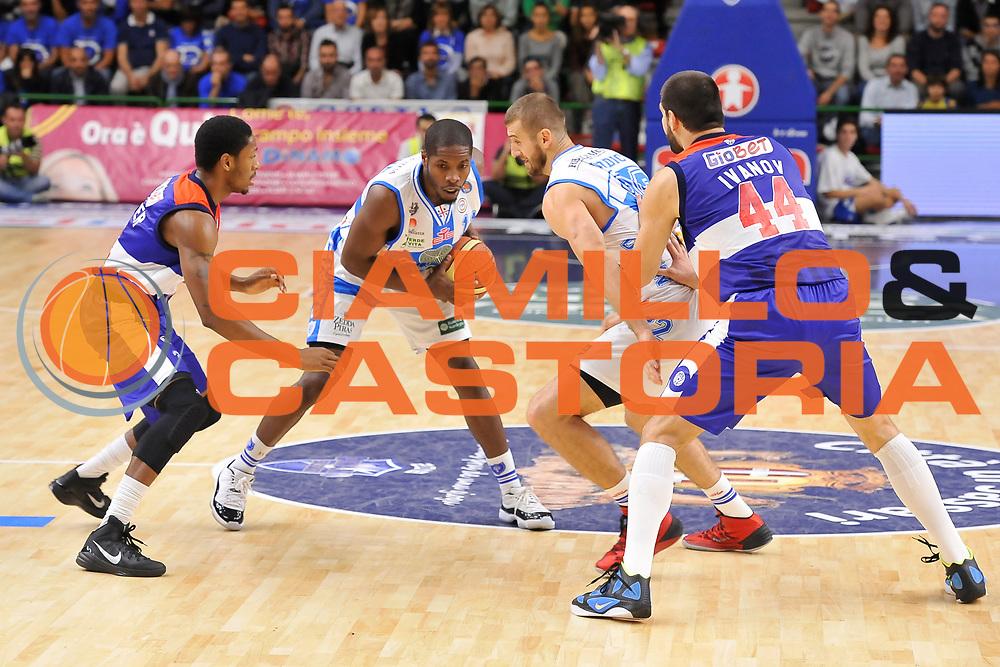 DESCRIZIONE : Campionato 2014/15 Dinamo Banco di Sardegna Sassari - Enel Brindisi<br /> GIOCATORE : Jerome Dyson<br /> CATEGORIA : Palleggio Blocco<br /> SQUADRA : Dinamo Banco di Sardegna Sassari<br /> EVENTO : LegaBasket Serie A Beko 2014/2015<br /> GARA : Dinamo Banco di Sardegna Sassari - Enel Brindisi<br /> DATA : 27/10/2014<br /> SPORT : Pallacanestro <br /> AUTORE : Agenzia Ciamillo-Castoria / Luigi Canu<br /> Galleria : LegaBasket Serie A Beko 2014/2015<br /> Fotonotizia : Campionato 2014/15 Dinamo Banco di Sardegna Sassari - Enel Brindisi<br /> Predefinita :