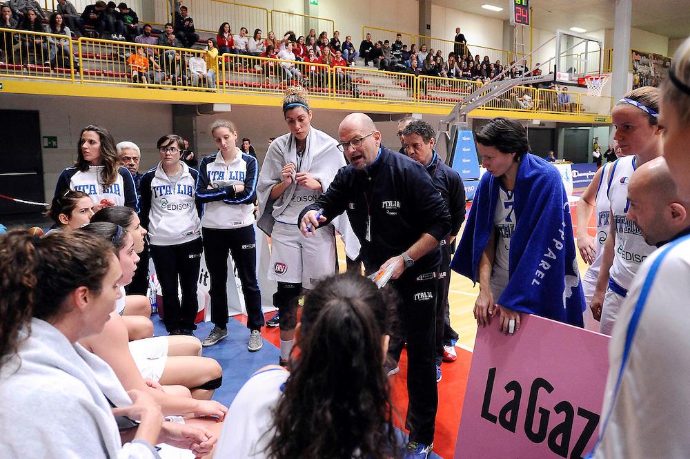DESCRIZIONE : Torneo di Schio - Italia vs Russia  <br /> GIOCATORE : Roberto Ricchini<br /> CATEGORIA : nazionale femminile senior A <br /> GARA : Torneo di Schio - Italia vs Russia<br /> DATA : 28/12/2014 <br /> AUTORE : Agenzia Ciamillo-Castoria