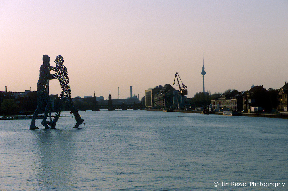 GERMANY BERLIN APR04 - View of the Spree and the Molecule Man sculpture on the river from former East Berlin.<br /> <br /> <br /> <br /> jre/Photo by Jiri Rezac <br /> <br /> <br /> <br /> © Jiri Rezac 2004