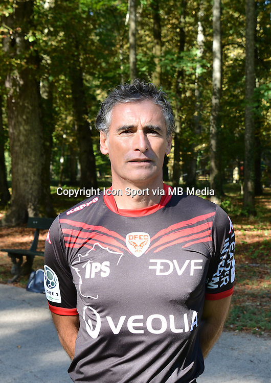 Olivier Dall Oglio - 07.09.2015 - Photo Officielle de Dijon - ligue 2<br /> Photo : Vincent Poyet / Icon Sport