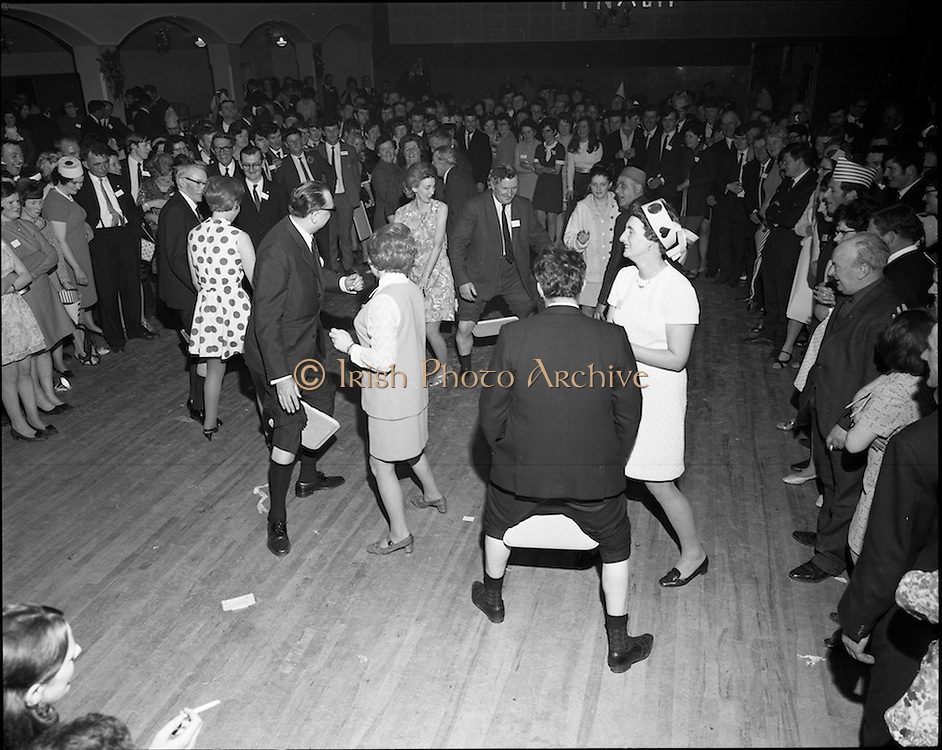 20/04/1970<br /> 04/20/1970<br /> 20 April 1970<br /> Tynagh Mines Dinner Dance at Loughrea, Co. Galway. An interesting dancing game being played.